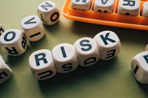 ¿Qué riesgos asumo al contratar diseñadores de página web?